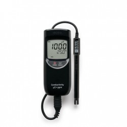 Conductivity/TDS/°C Meter Low Range