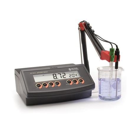 pH/mV/°C meter bench