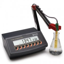 Conductivity/TDS/NaCl/°C Bench-Top Meter