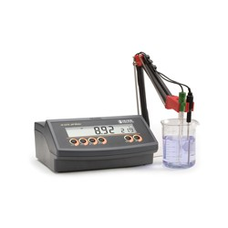 pH/°C Bench-Top Meter Basic